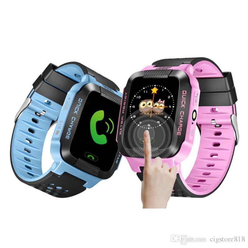 Y21 GPS Crianças relógio inteligente Anti-Lost Lanterna do bebê inteligente Relógio de pulso SOS Chamada Localização dispositivo rastreador Safe Kid vs DZ09 U8 Assista