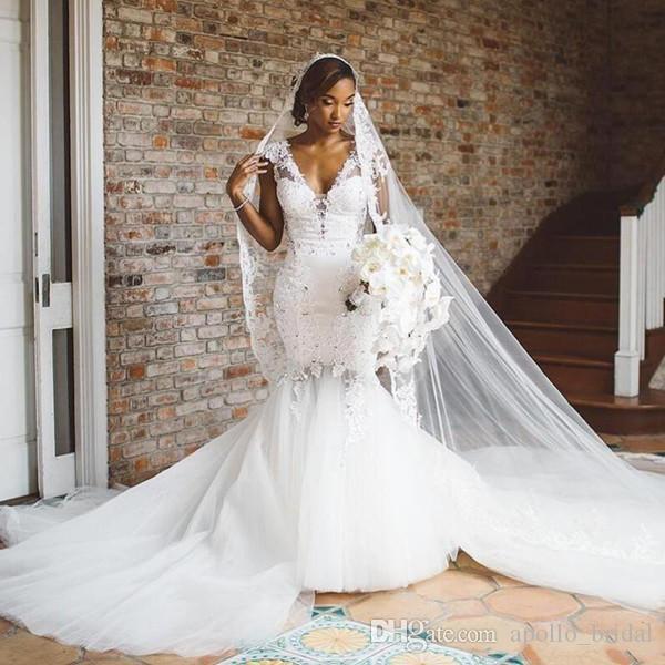 2020 Pays d'Afrique Robes de mariée sirène col en V dentelle Applique perles Robes de mariée balayage train Plus Size Robes de mariée