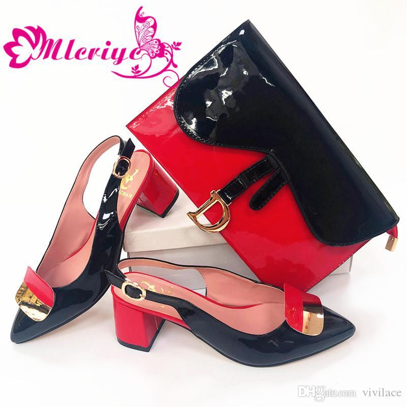 Novos sapatos de luxo Mulheres Designers decoração do metal italianos Sapatos com harmonização de sacos de alta qualidade Mulheres Africano sapatos e bolsa Set