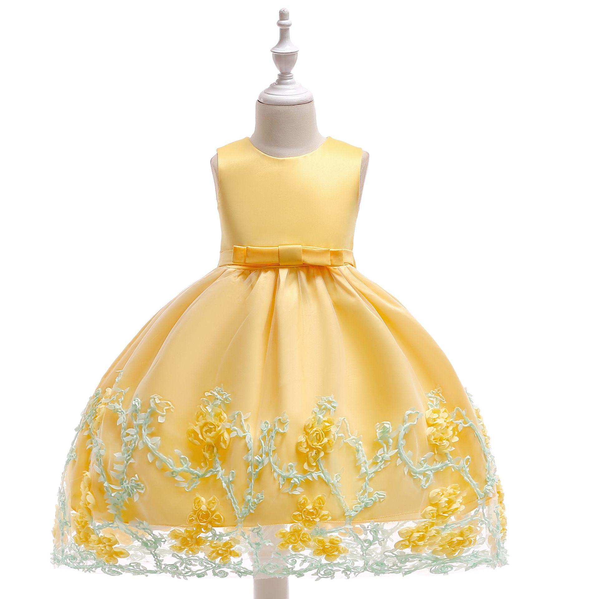 2019 Abito da ragazza di fiore giallo senza maniche gioiello collo con abiti di fiori 3D per una festa di nozze con fiocco a fascia Abito formale per bambina