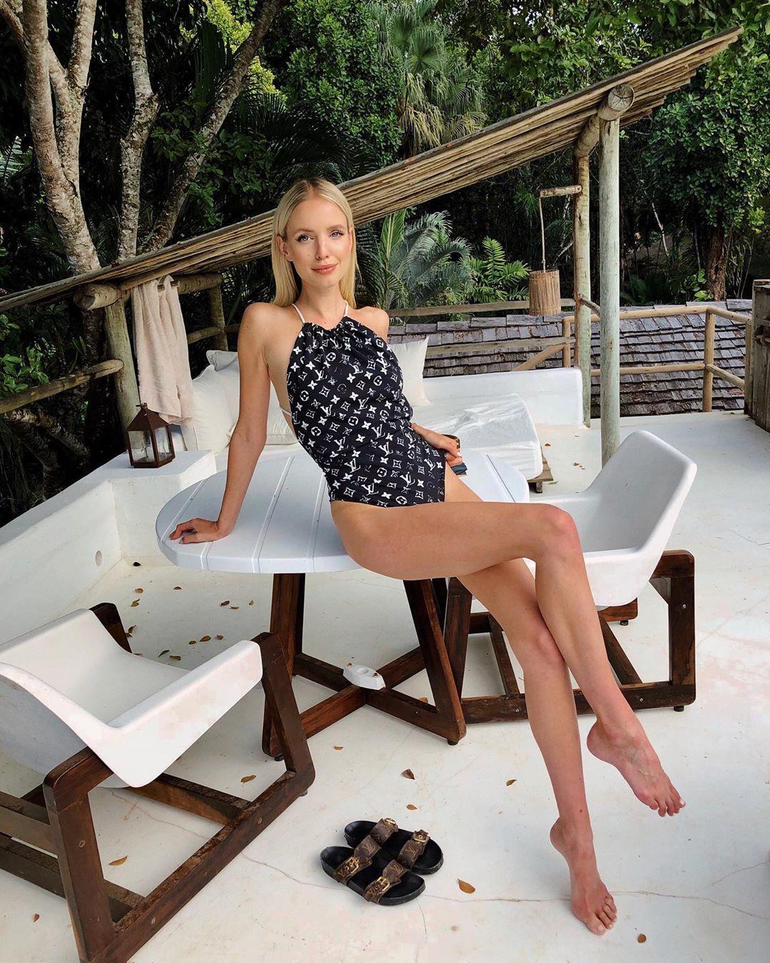 2020 diseñador de las mujeres del traje de baño atractivo del traje de baño del bikini de encaje hasta los trajes Marca del bikini de una pieza Trajes de baño traje de baño de diseñador Carta 20031703L