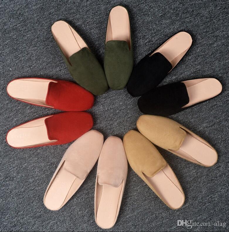 2020 New Verão Chinelos Mulheres RED Designer de Luxo Moda Loafers camurça sapatos de couro de metal senhoras Cadeia Casual tamanho mulas Flats 34-43