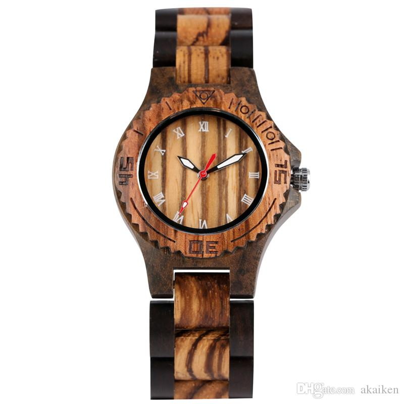 Handmade Casual Maple Sandalwood Watches Women Watch Lady Quartz Analog Wristwatches Wooden Bracelet Strap Band Roman Number Dial Gift
