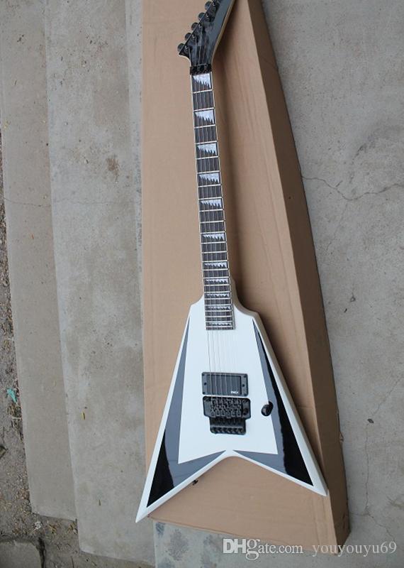 Guitarra eléctrica V mosca blanca con brazo de caoba, incrustaciones serradas, hierro forjado negro, servicio personalizado