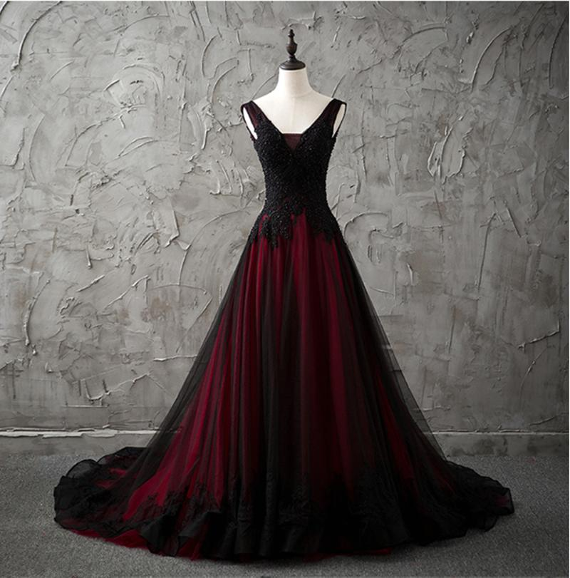 Gothic V-Neck Sleeveless Black and Red Wedding Dresses Lace Appliques Beading Country Chic Wedding Dresses Low Back Colored Wedding Gowns