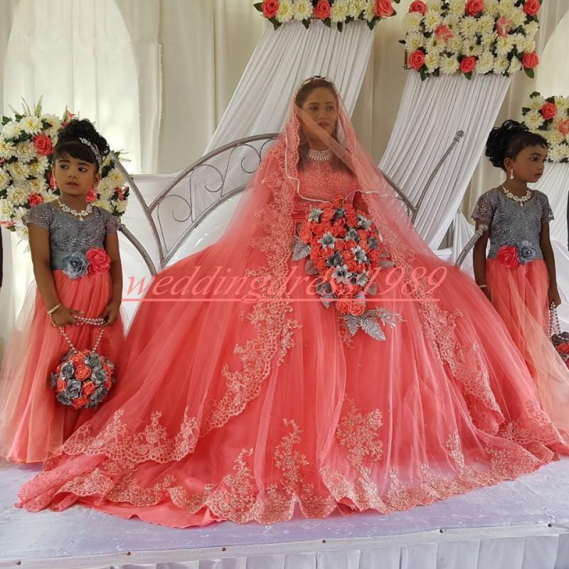 Belle couleur Nigerian robes de mariée en dentelle à manches longues Sheer Sequin Robe de Novia Pays Formal Robe de mariée africaine mariée bal personnalisée