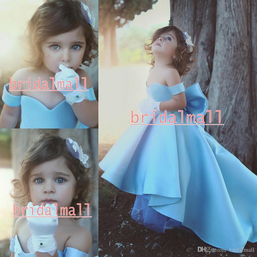 NOUVEAU Bébé Blue Flower Girls Robes à l'épaule Big Bow Hi-Lo Satin Simple Princess Girls Robe d'anniversaire pour enfants Robe d'anniversaire