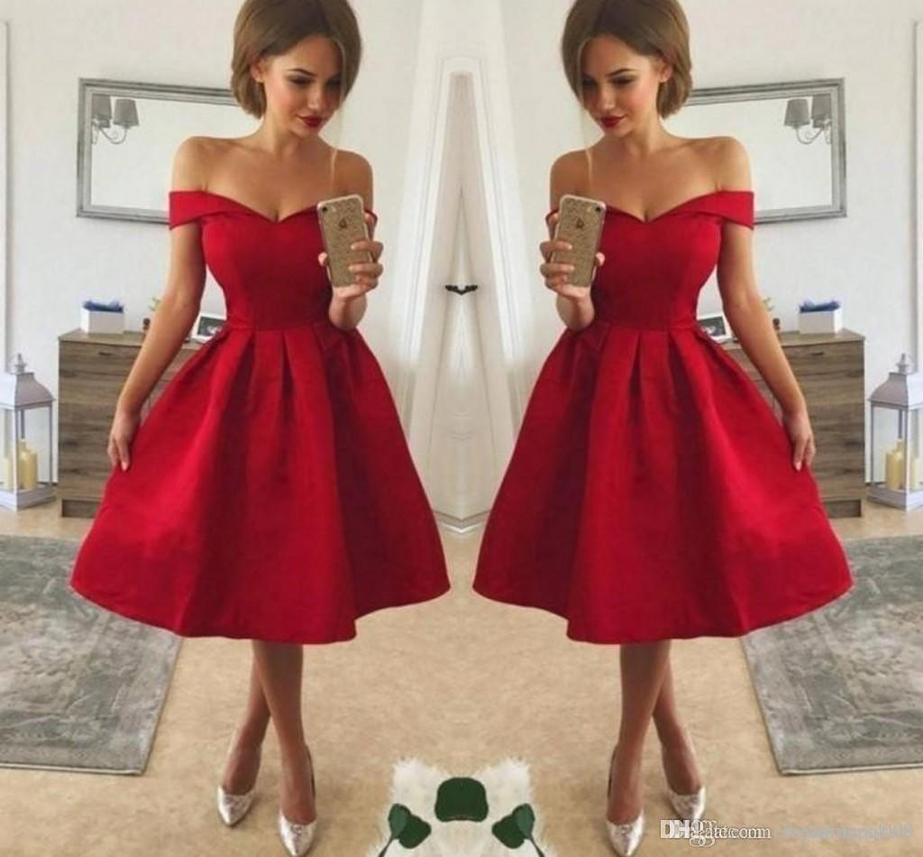 New Designer Simple Style Cheap Red Cocktail Dresses Off Shoulder Ruched Satin Knee Length A Line Prom Party Gowns Special Occasion Dresses
