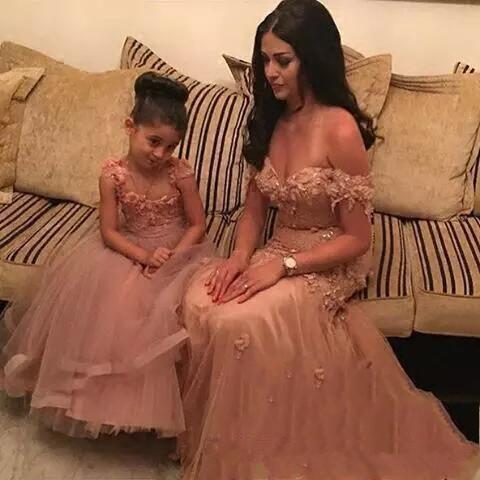 Mère fille filles Pageant robes sans manches Applique Longueur fleurs filles Robes enfants Tenue de soirée arabe belle robe mère