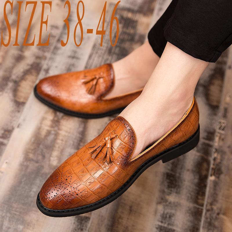 Britische Kleid-Schuh-Mann Tassel Loafers Leder Anzug Schuhe Spitzschuh Formal Oxfords Mann-Hochzeit Schuh Mokassins für Männer