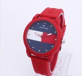 무료 배송 도매! 미국의 레저 남자와 여자 스포츠 패션 간단한 석영 시계 테이블 학생 실리콘 스트랩 시계