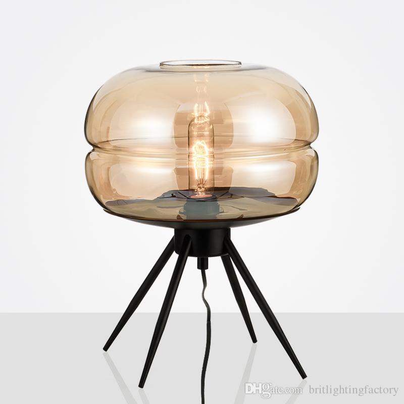 Postmodern ha condotto le luci Camera da letto Soggiorno Arte treppiedi Lampada da tavolo Vetro creativo decorativo Illuminazione da tavolo American Hotel Lampade da tavolo semplici