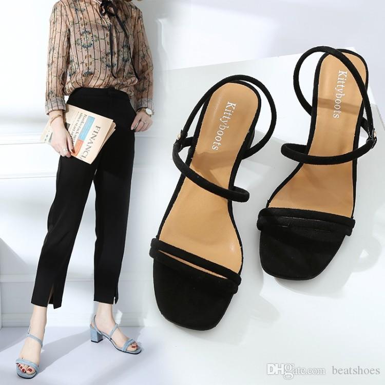 Summer Square Каблуки Скольжение тапочки Женщины Peep Toe Сандалии Классические черные Элегантные Низкие каблуки Открытый платье партии Обувь Два вида Wear