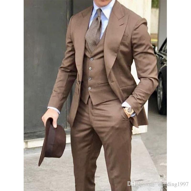 Trois pièces de mariage formel hommes costumes 2019 culminé revers brun veste veste pantalon sur mesure fait blazer costume masculin palefrenier