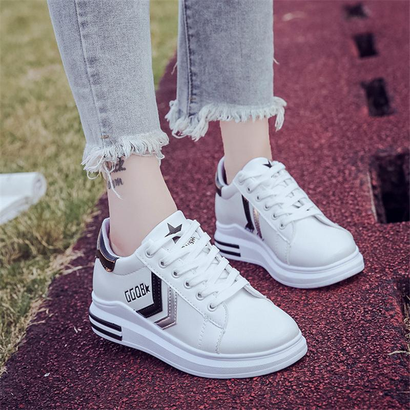 2018 المرأة الصيف الدانتيل جديد الأحذية المسطحة صغيرة بيضاء الإناث النسخة الكورية سميكة أسفل التطريز عارضة تنفس الراحة