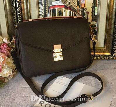 Hot Sell New Fashion Women Handbags Crossbody Messenger Bag Embossing Letter Bag High Quality Designer Women Vintage Strap Shoulder Handbag