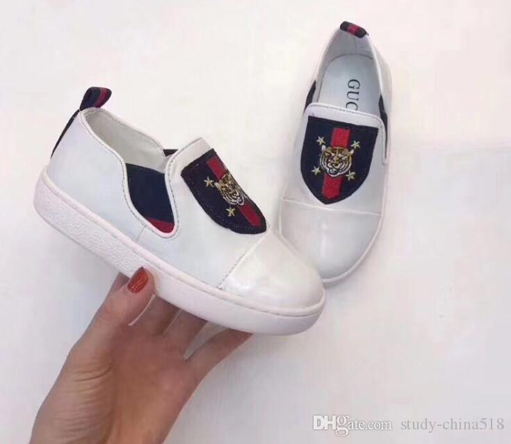 Primavera 2019 Nuevos zapatos casuales de cuero europeos y americanos para hombres A2