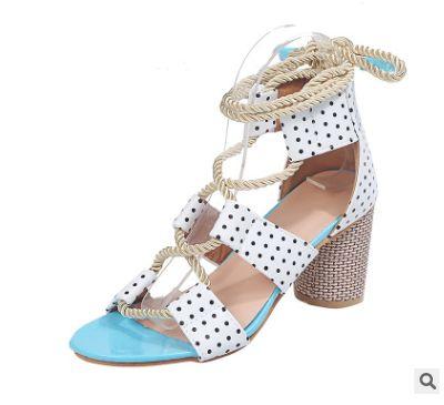 Hot prêt pour l'expédition 2020 New Chaussures Femmes populaires Color Block épais talon dentelle bout ouvert Couleur Sandales