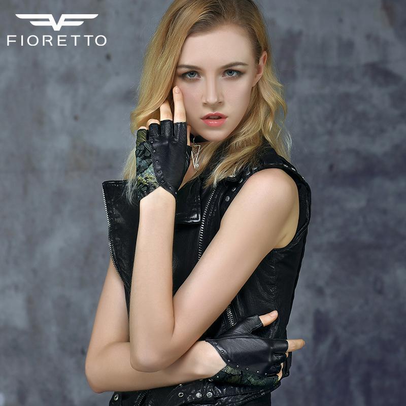 Fioretto إمرأة أصابع القيادة Motocycling قفازات جلدية سوداء نصف اصبع قفازات الترقيع تصميم