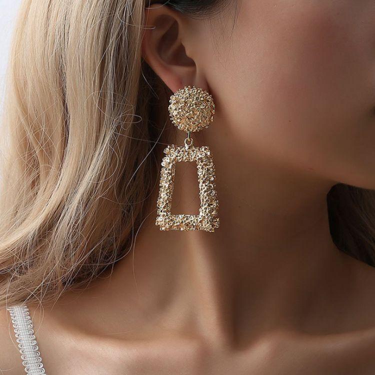 Büyük Vintage Küpe Kadınlar için Altın Renk Geometrik Bildirimi Küpe Metal Gümüş Küpe Asılı Moda Takı Trendi