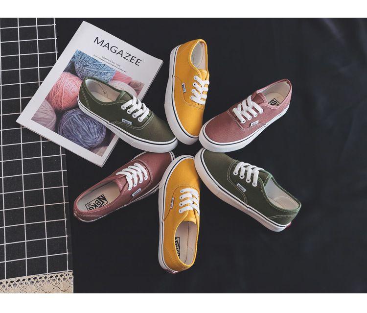 Tela Flats scarpe da donna 2020 Nuova Primavera Estate adolescenti Skateboard scarpe di colore della caramella Via della scarpa da tennis del piede pattini casuali nhdye2r