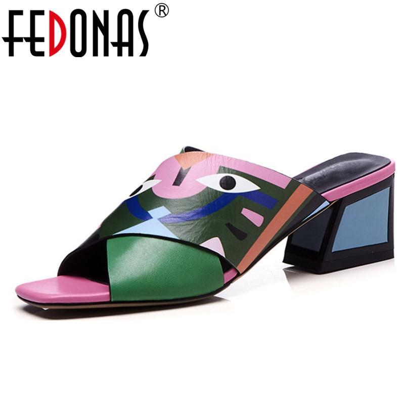 Fedonas reizvoller Frauen-Absatz-Pumpen-Mode Drucke Partei-Hochzeit Schuh-Frauen-Comfort-Qualität PU-Leder-Sommer-Sandelholz Y200323 Pumps