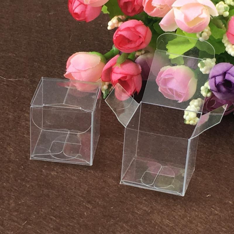 50pcs 8 * 8 * 8 cm durchsichtige Kunststoff PVC-Boxen Verpackung für giftchocolatecandycosmeticcakecrafts Ausstellverpackung transparente Box