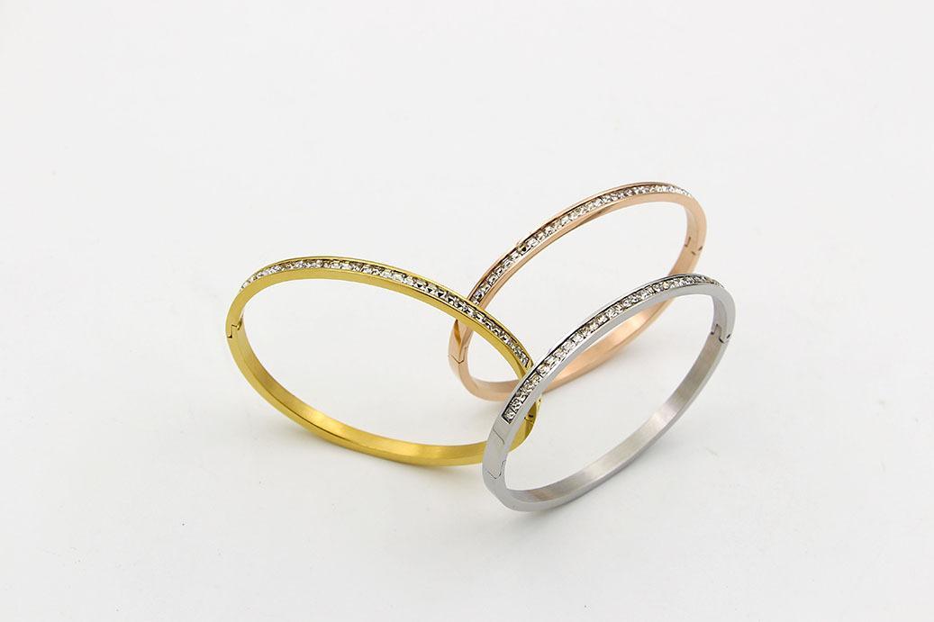 роскошные дизайнерские ювелирные изделия Титановая сталь маленькие бриллиантовые браслеты женщины Джокер браслет День Святого Валентина любовь браслет Оптовая продажа ювелирных изделий