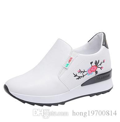 Marke 2020 Frühlings-Frauen Breath Hohle Plattform Wohnungen Women Casual Loafer Schuhe Schuhe Plattform Turnschuhe Größe 35-39