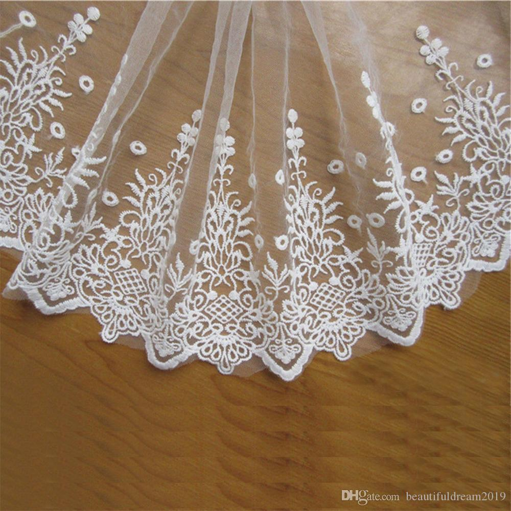 selling by the yard Beautiful white Floral Lace Trim// 1  inch wide