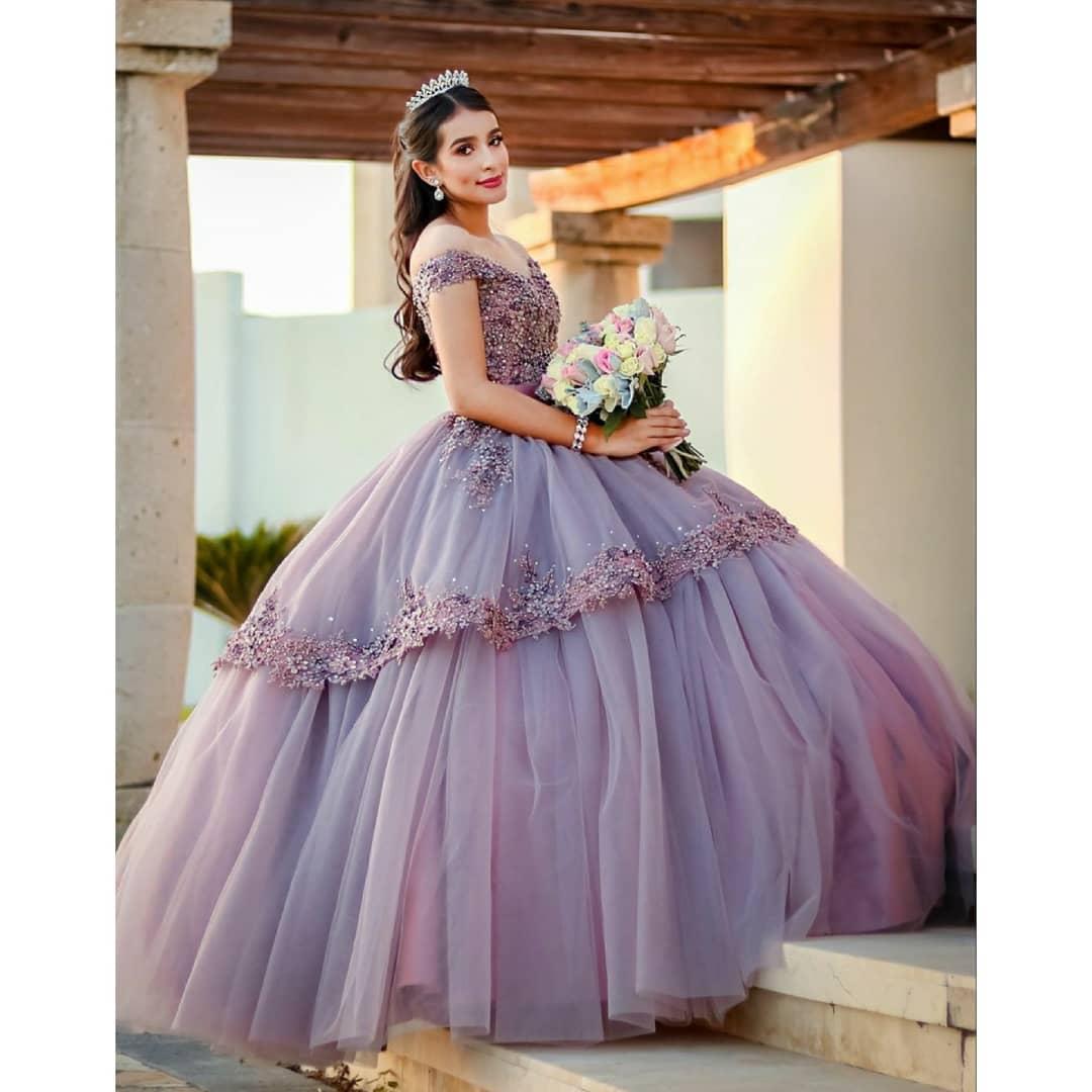 Lilac lace frisado cristais quinceanera vestidos de baile sweetheart vestido de baile tule festa de noite doce 16 vestido zj127