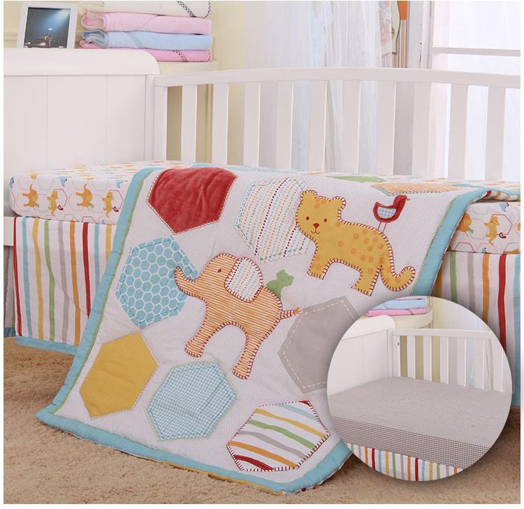 4 pièces Lit bébé Chambre enfant bébé Chambre Ensemble Literie de bébé Literie de bébé voiture animaux Floral ensemble pour les nouveau-nés