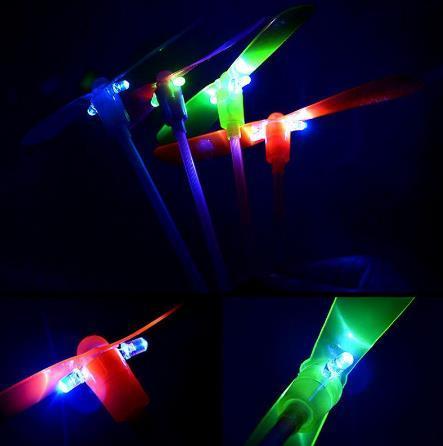 Çocuk Bebek Renkli LED Gece Aydınlatma Bambu Dragonfly Açık Fly Parlayan Bambu-helikopter Yanıp sönen Eğlenceli Oyuncaklar Hediyeler