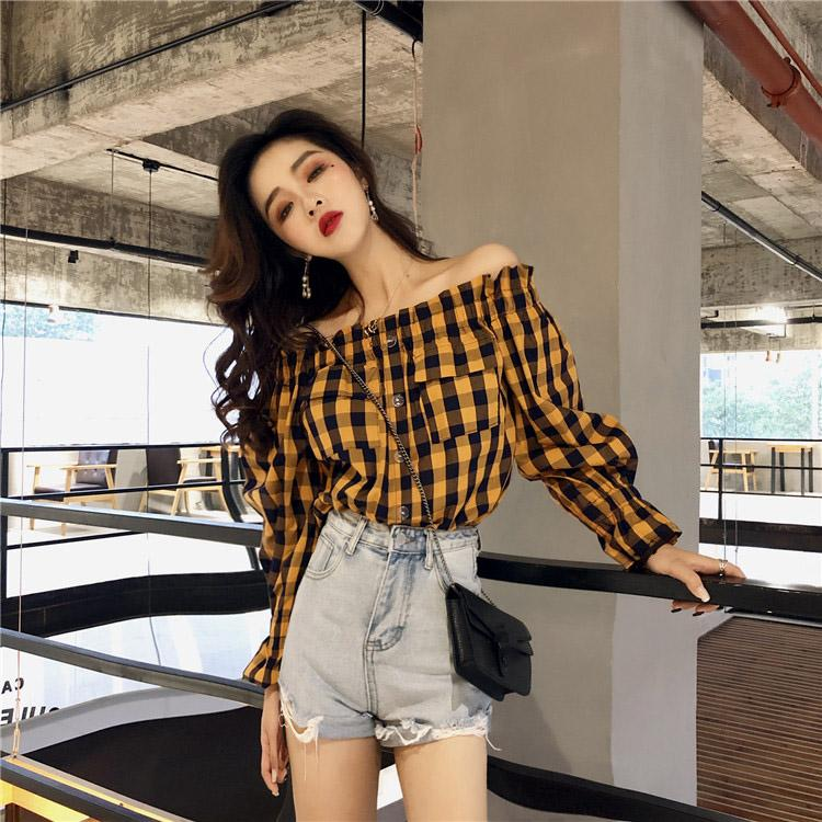 Frauen Blusen Hemden Hemden Herbst Korea Kleidung 2021 Modeknopf Slash Hals Schulter Flare Langarm Dünne Lose Vintage Plaid Bluse