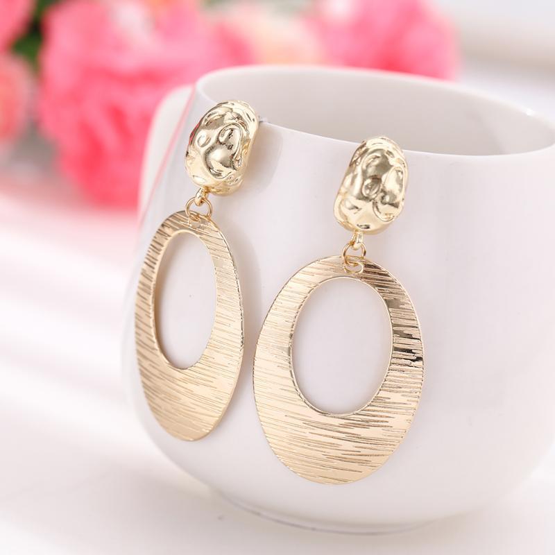2020 moda Rodada brincos de argola para mulheres ouro Rodada de liga de zinco Brincos Mulheres senhoras moda jóias de New Romantic