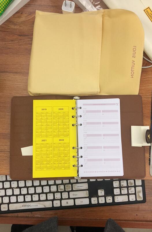 2019 Nuovo Mens Moda Casual Classico Porta carte di credito ID Notebook di qualità Ultra sottile portafoglio pacchetto per Mans / Womans