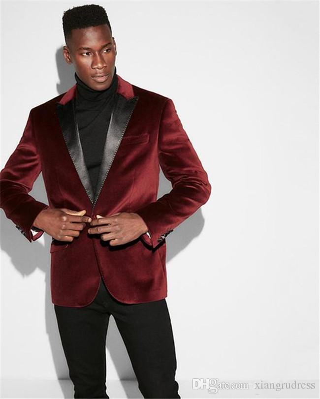 2018 Custom Made Bordo Kadife Düğün Smokin Damat Giymek için Siyah Doruğa Yaka Blazer Klasik Fit Iki Parçalı Erkek Takım Elbise (Ceket + Pantolon)