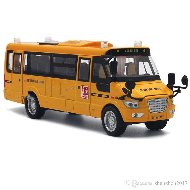 Large Diecast Alloy Pull Back America School Bus With Light Music Car Model Open Door Design Metal Light For Children Boy Toys