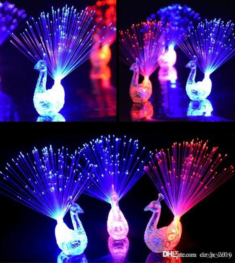 3 Farbenrosa blaues Grün LED blinkende Pfau-Faser-Optikfinger beleuchtet Ringe für Party-Bevorzugung freies Verschiffen
