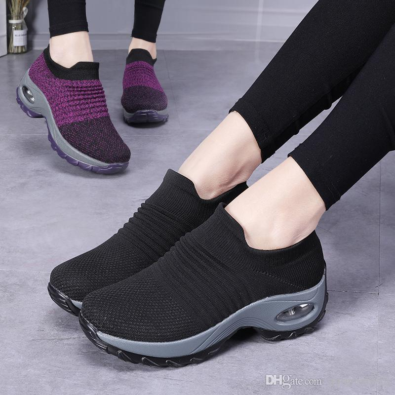 Femmes Chaussures de marche Slip sur Sneaker volant Chaussettes plate-forme infirmière Mesh respirant coussin d'air Chaussettes Chaussures léger et confortable Chaussures Casual