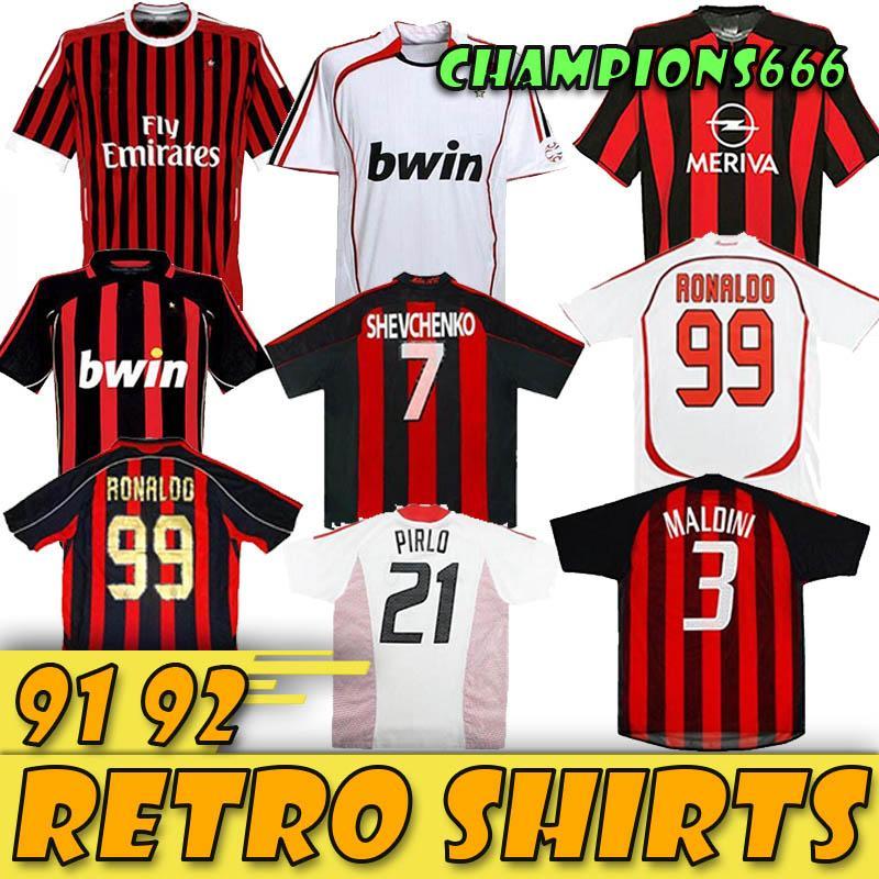 11 12 90 91 Retro 96 97 chemises maison Gullit FOOTBALL 01 02 03 Maldini Van Basten le football RONALDO KAKA Inzaghi 06 07 03 04 MILAN