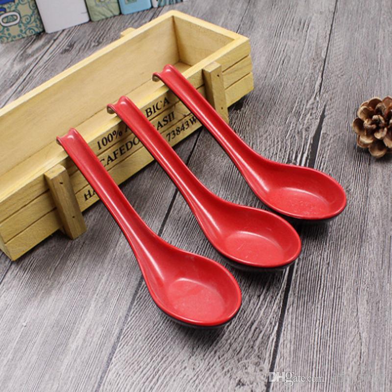 Cucharas de gachas Sopa de tazón de fuente de plástico negro rojo Cubiertos de casa Cucharas de estilo japonés
