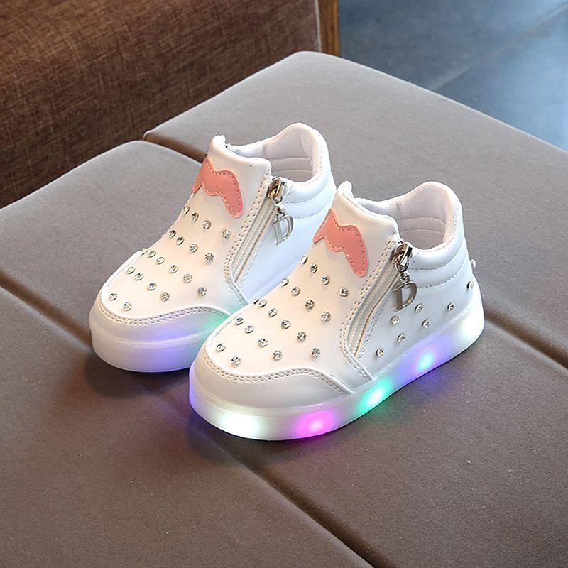 Nueva Luminoso Led zapatillas de deporte Zapatos para Niños Niño Niña que brilla tenis de los niños encienden para arriba los zapatos para niñas Tamaño 21-30