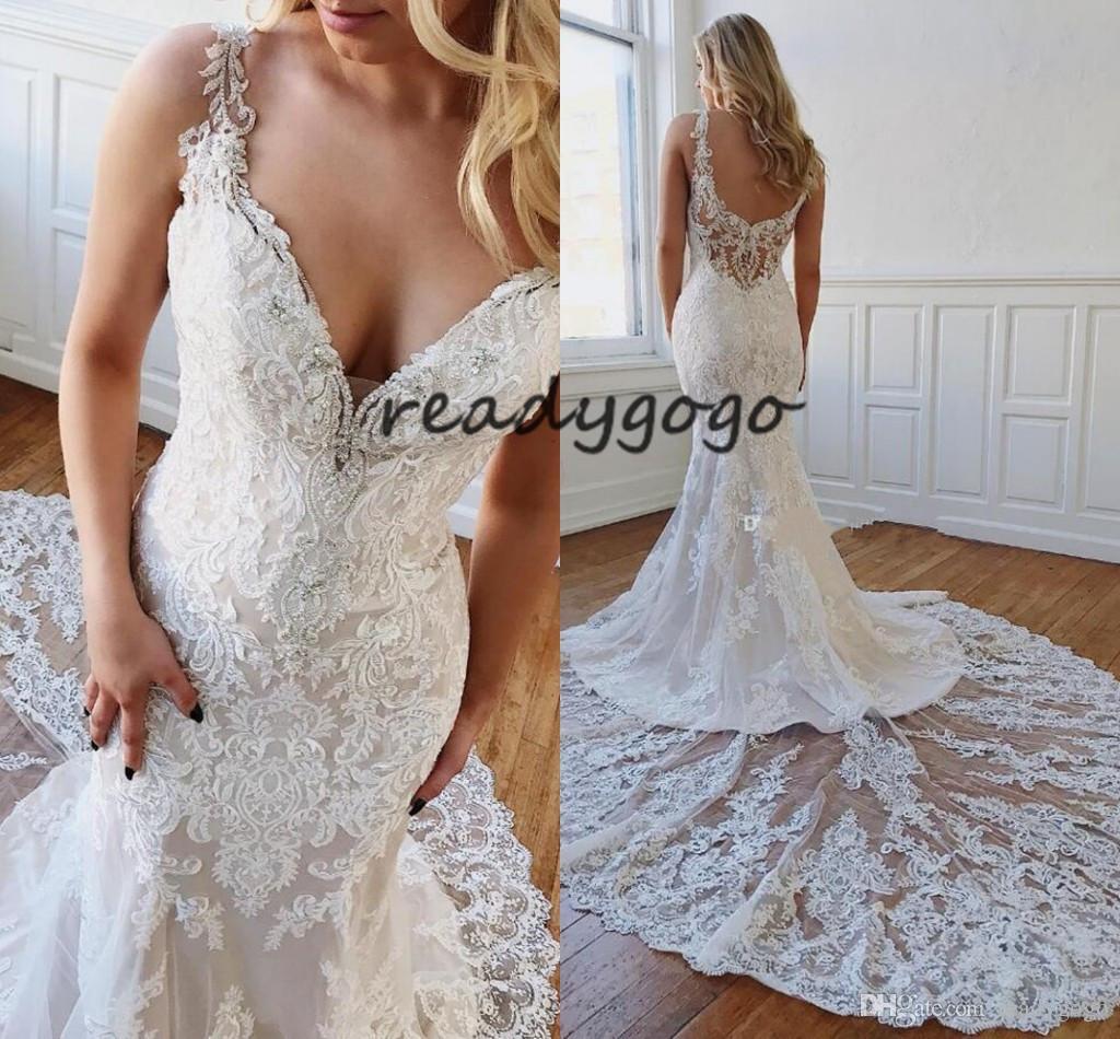2020 vestidos de casamento Sereia moderna com rendas frisado apliques de cintas de espaguete V-Neck traseira aberta Sexy férias de praia vestidos de noiva