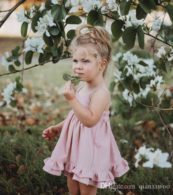 Nueva moda para el verano Europa bebés vestido de la correa de los niños vestidos de fiesta de la princesa Volantes Niños Slip vestido ocasional W357