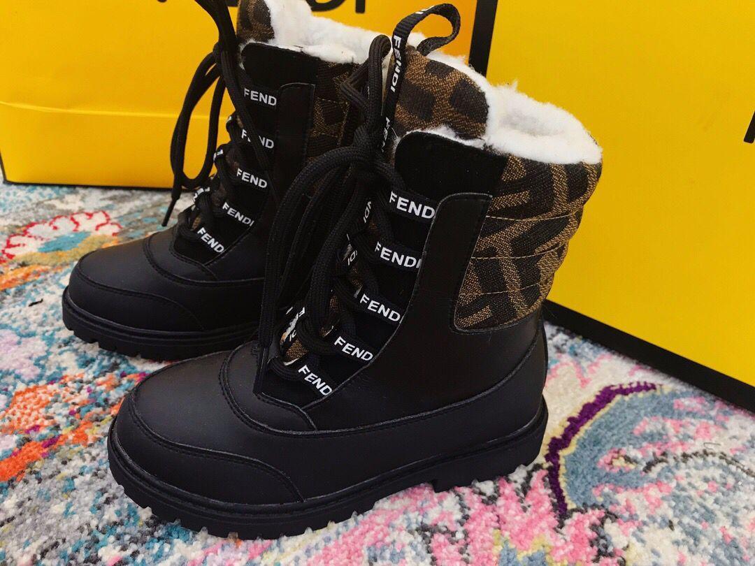 El infantil de chicas calientes zapatos de invierno para niños botas de nieve de la felpa botas de las zapatillas de deporte al aire libre Niños algodón de los niños zapatos la media pantorrilla botas de tenis