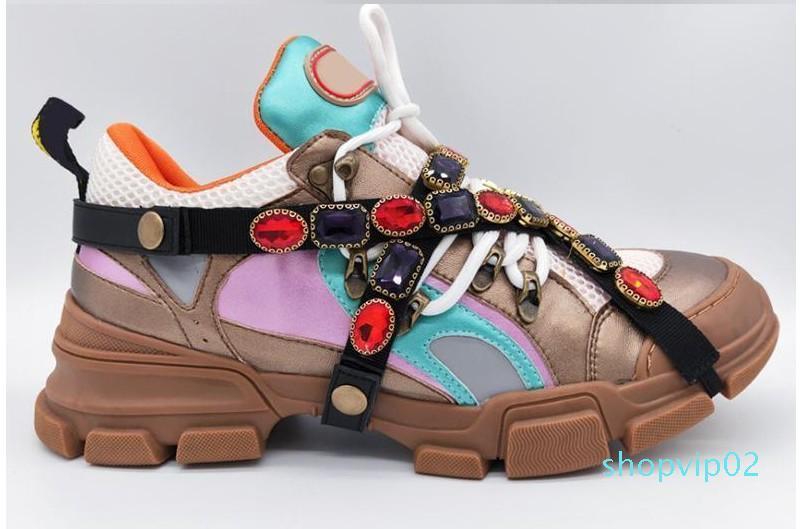 Designer delle scarpe da tennis di marca taglio basso scarpe Spikes appartamenti inferiori rosse degli uomini e delle donne del cuoio delle scarpe da tennis del partito pattini del progettista xyh19027606 L05