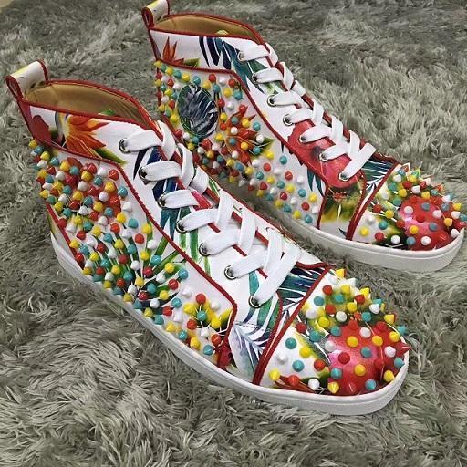 Top del alto tachonado Spikes informal Pisos rojas zapatillas de deporte de los zapatos de la parte inferior de lujo con la caja 2017 del nuevo Mens Para amantes de la fiesta y las mujeres t18 diseñador