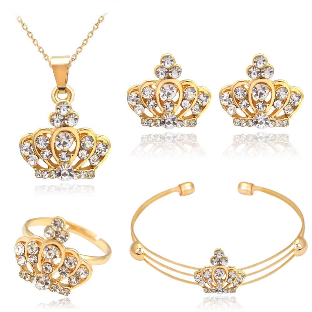 aretes collar de la atmósfera de la moda collar de diamantes corona completa conjunto de Europa y América anillo al por mayor de la pulsera