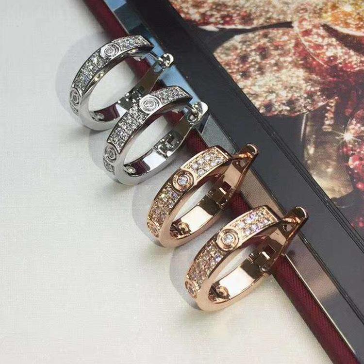 Neue Art und Weise jewerly berühmte Marke Stud Titan Stahlgewinde Ohrringe 18K vergoldet Edelstahl Klassische Liebe gem Ohrringe für Frauen c